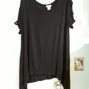 Tops - Black stitch wurks tee amazing sleeves! On hold
